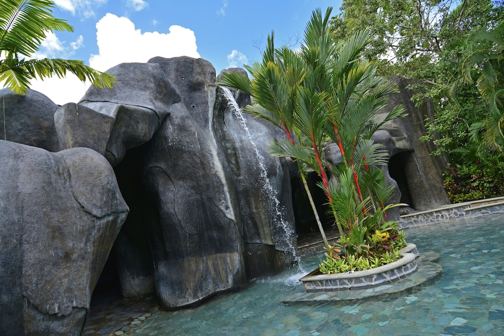Pool Waterfall, Baldi Hot Springs Hotel and Spa