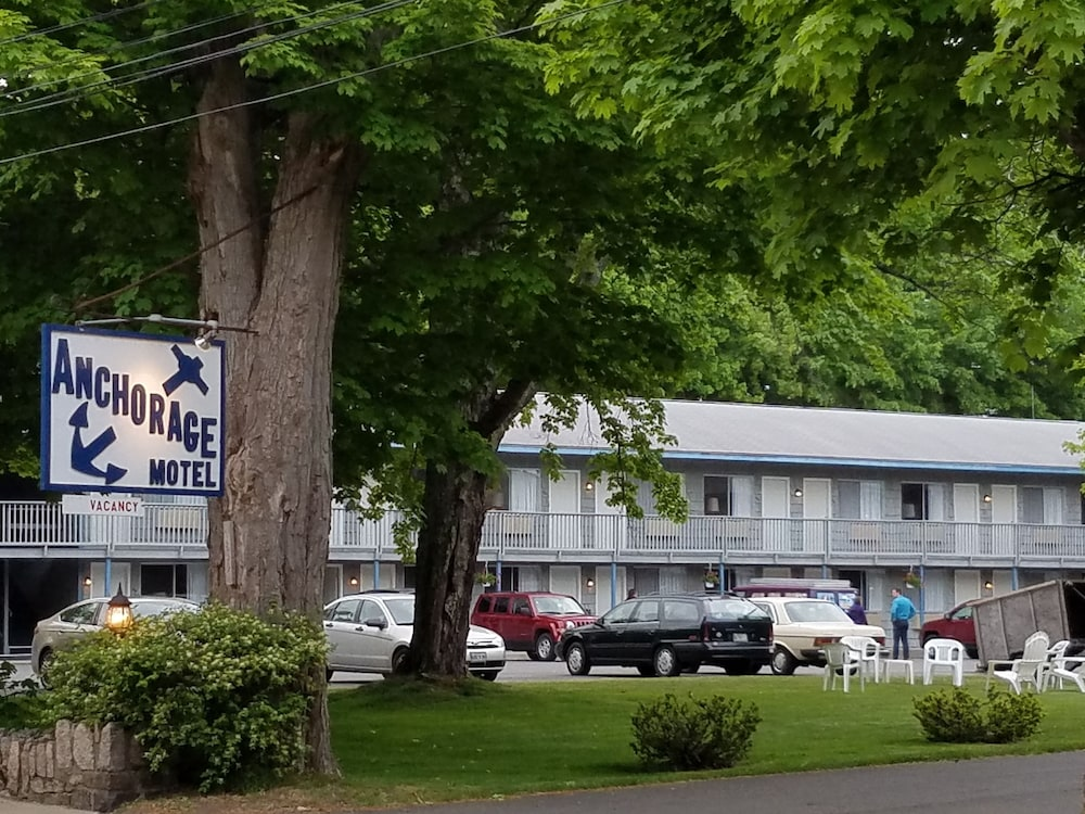 Property Grounds, Anchorage Motel