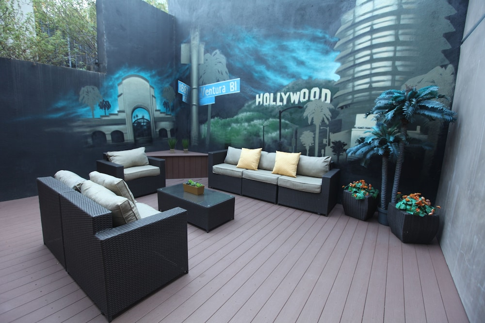 Terrace/Patio, BLVD Hotel & Spa-Walking Distance to Universal Studios Hollywood