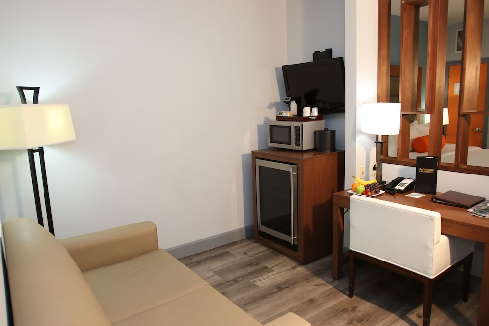 Room, BLVD Hotel & Spa-Walking Distance to Universal Studios Hollywood