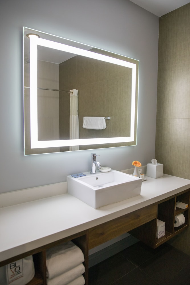 Bathroom Sink, BLVD Hotel & Spa-Walking Distance to Universal Studios Hollywood