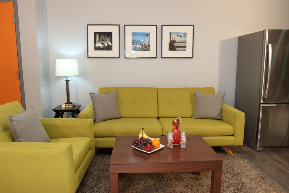Living Area, BLVD Hotel & Spa-Walking Distance to Universal Studios Hollywood