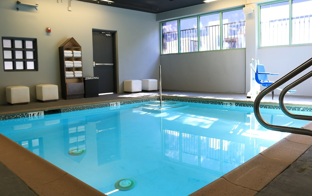 Indoor Pool, BLVD Hotel & Spa-Walking Distance to Universal Studios Hollywood