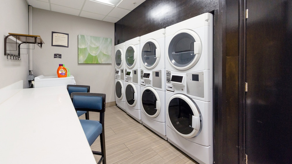 Laundry Room, Staybridge Suites Houston-Nasa/Clear Lake
