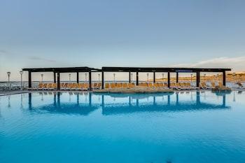 AX │ Sunny Coast Resort & Spa