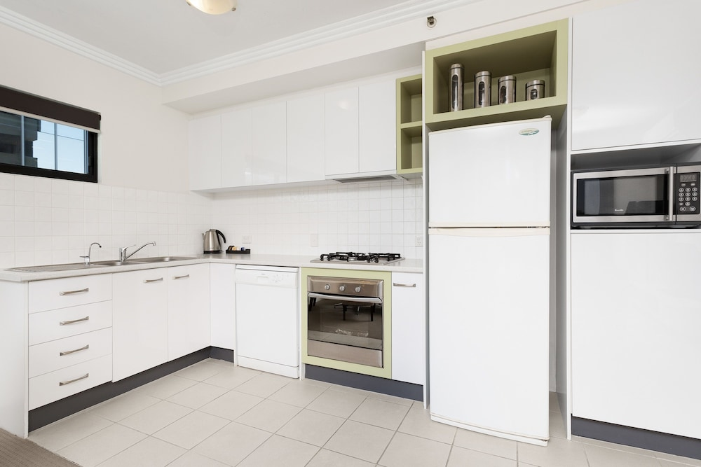 Private Kitchen, Republic Apartments