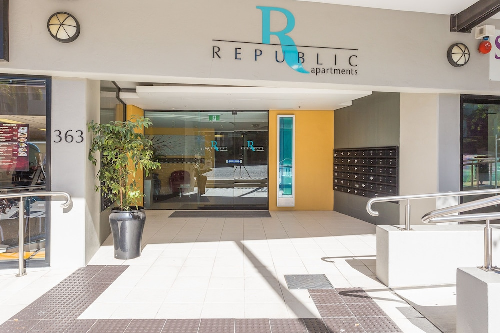 Property Entrance, Republic Apartments