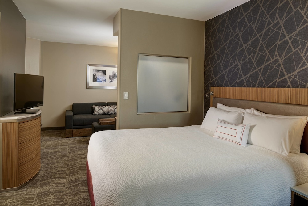 Room, SpringHill Suites St. Louis Brentwood