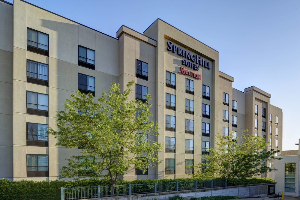 Exterior, SpringHill Suites St. Louis Brentwood