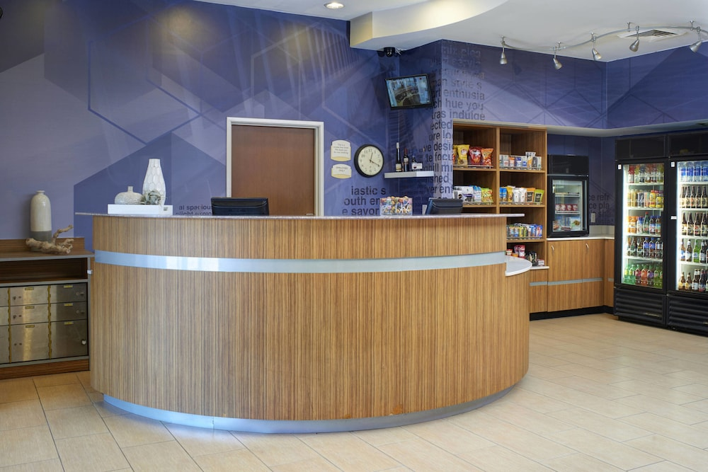 Reception, SpringHill Suites St. Louis Brentwood