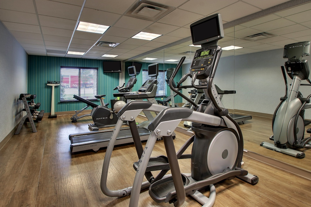 Fitness Facility, Holiday Inn Express & Suites Waukegan, an IHG Hotel