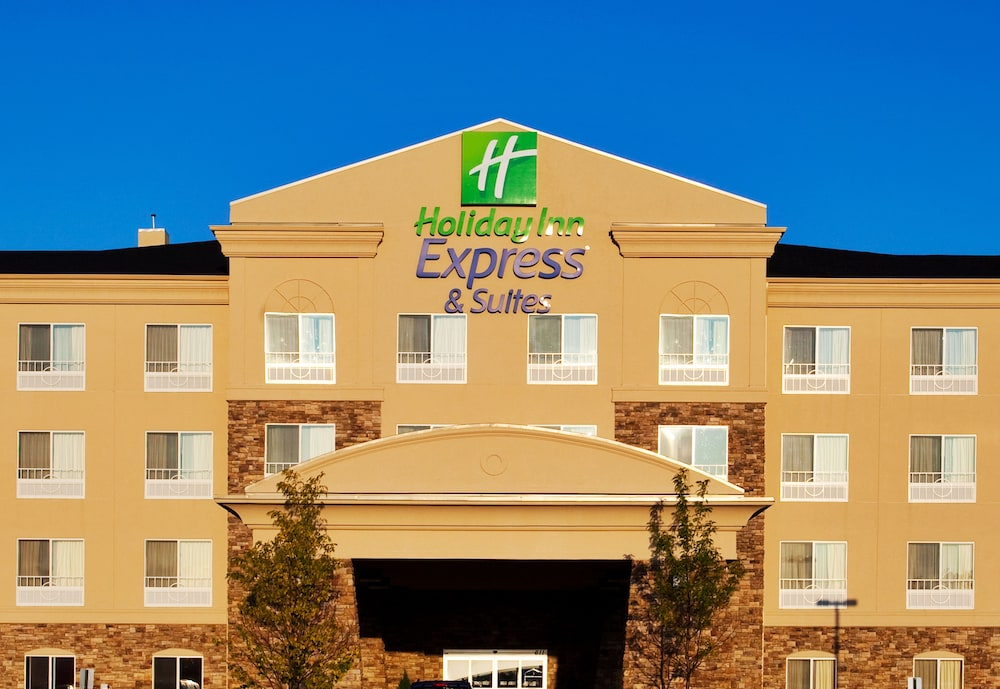 Exterior, Holiday Inn Express & Suites Waukegan, an IHG Hotel