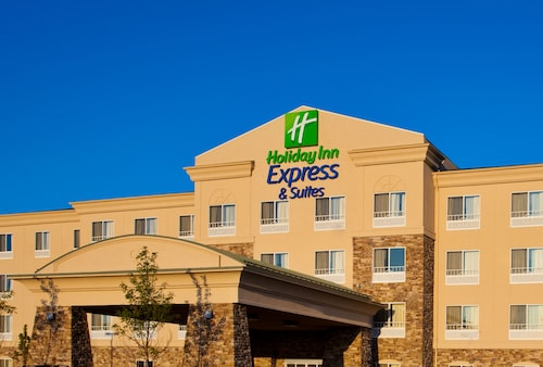 Holiday Inn Express & Suites Waukegan