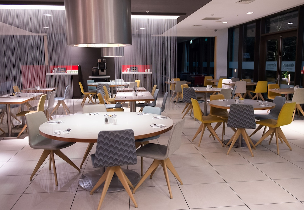 Breakfast Area, Novotel London Paddington