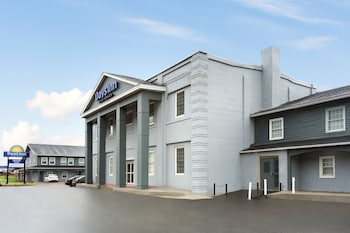 Days Inn by Wyndham Saint John New Brunswick