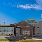 La Quinta Inn & Suites by Wyndham Lexington Park - Patuxent