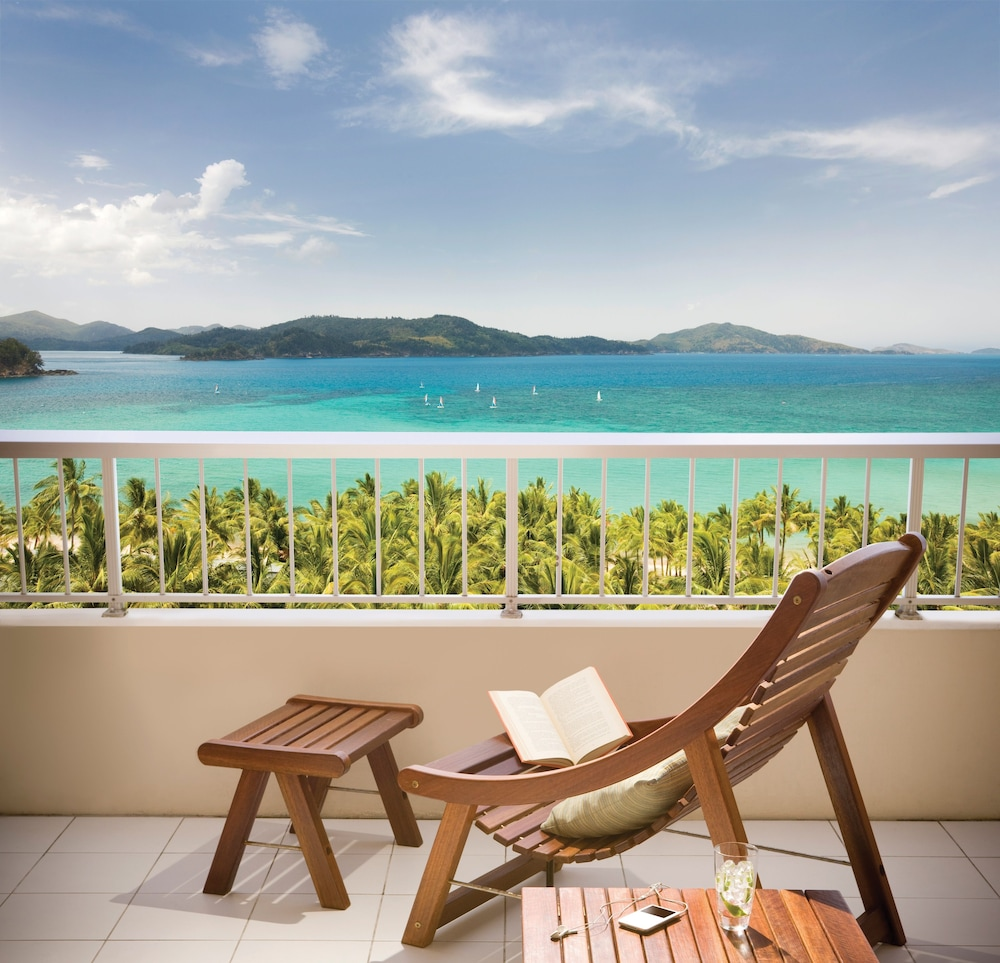 Balcony, Reef View Hotel