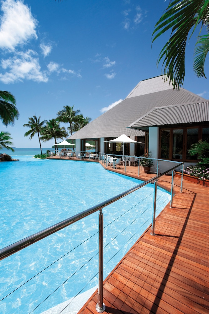 Outdoor Pool, Reef View Hotel