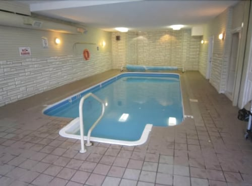 Indoor Pool, Riverland Inn & Suites