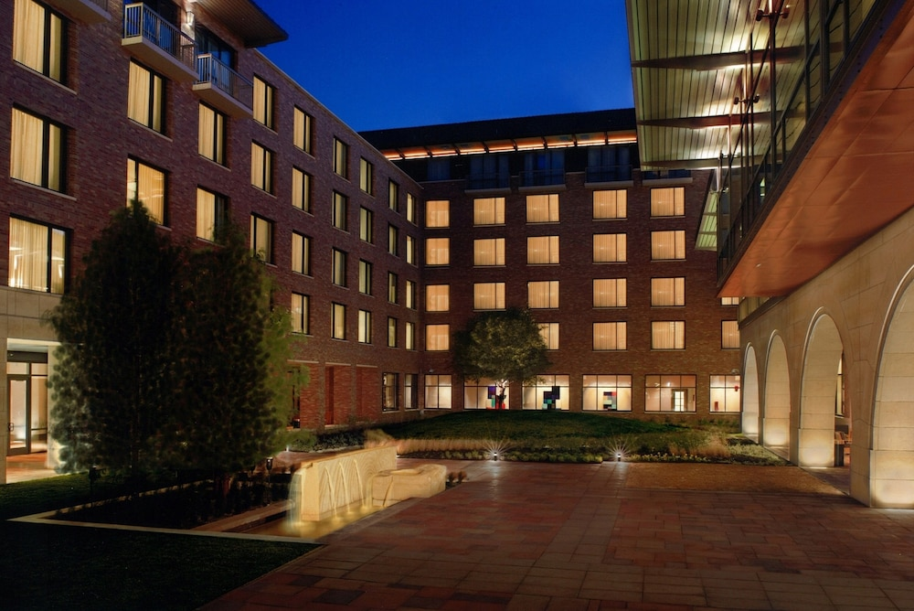 Courtyard, AT&T Hotel & Conference Center at the University of Texas