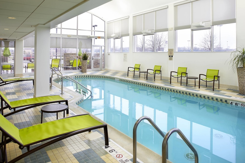 Indoor Pool, SpringHill Suites by Marriott Chicago Waukegan/Gurnee