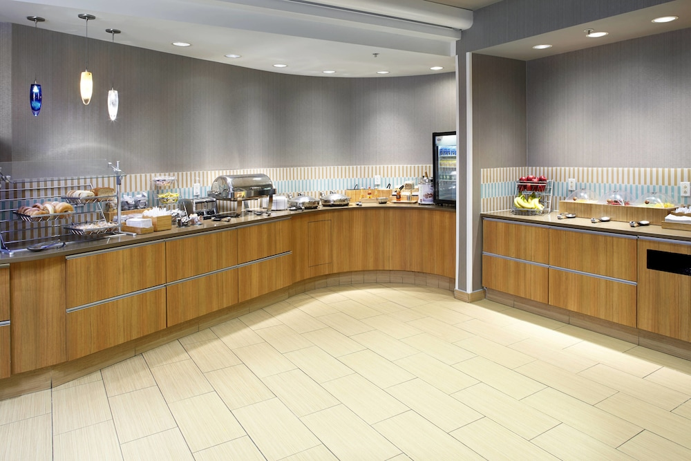 Breakfast Area, SpringHill Suites by Marriott Chicago Waukegan/Gurnee