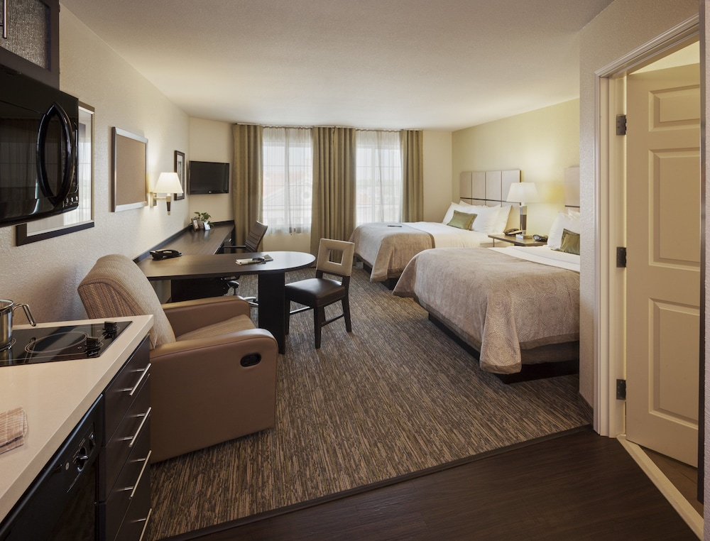 Room, Candlewood Suites Grand Prairie - Arlington, an IHG Hotel