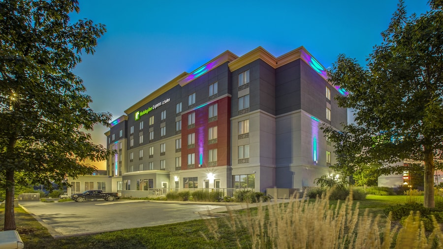 Holiday Inn Express & Suites Woodstock South, an IHG Hotel