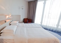 Club Room, 2 Twin Beds