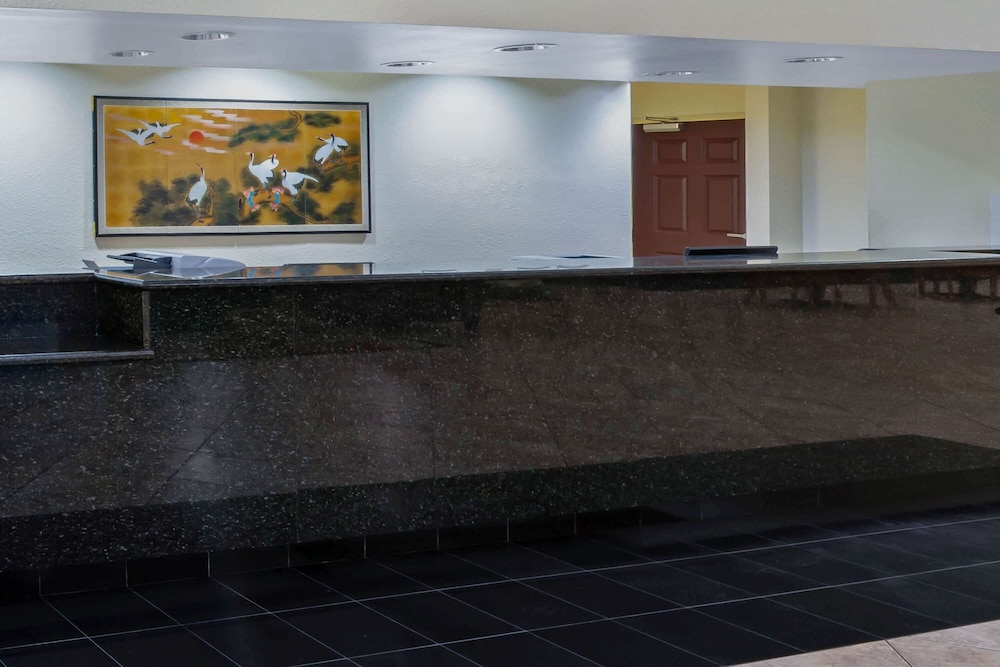 Lobby, La Quinta Inn & Suites by Wyndham Ft. Pierce