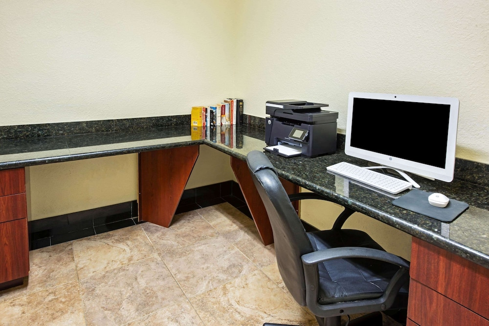 Business Center, La Quinta Inn & Suites by Wyndham Ft. Pierce