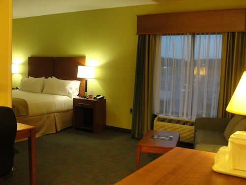 Holiday Inn Express Hotel & Suites Atlanta East - Lithonia