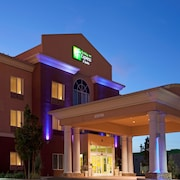 Holiday Inn Express & Suites Reno