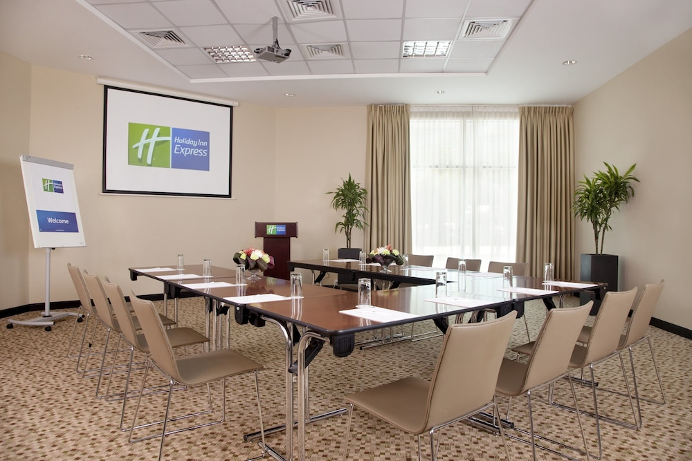 Featured Image, Holiday Inn Express Dubai Safa Park
