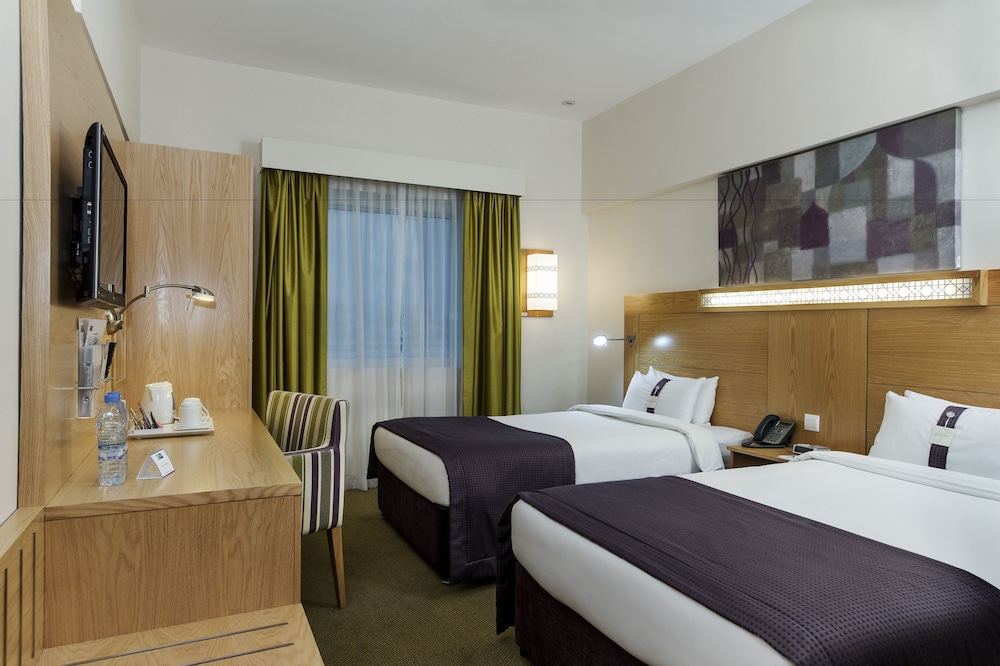 Room, Holiday Inn Express Dubai Safa Park