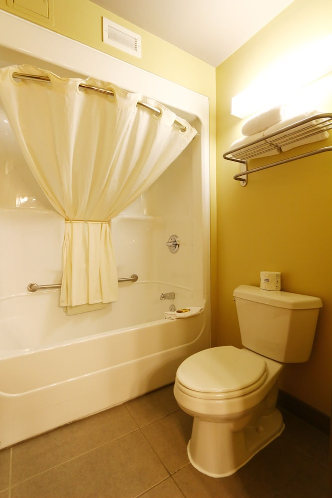 Bathroom Shower, Best Western Plus Saint John Hotel & Suites