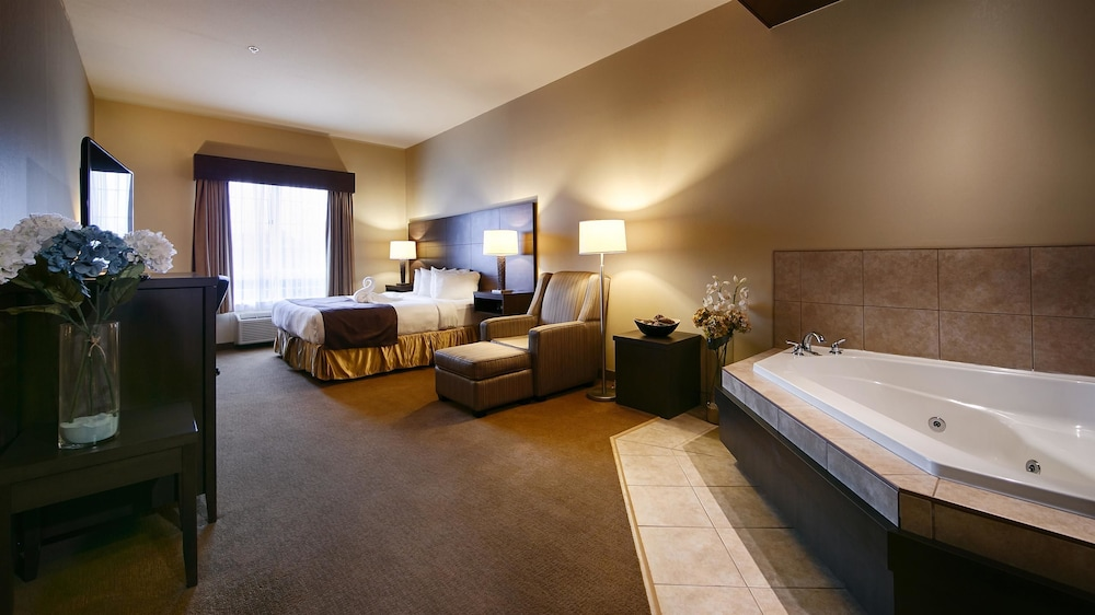 Room, Best Western Plus Saint John Hotel & Suites