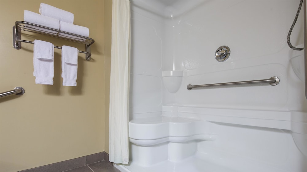 Bathroom, Best Western Plus Saint John Hotel & Suites
