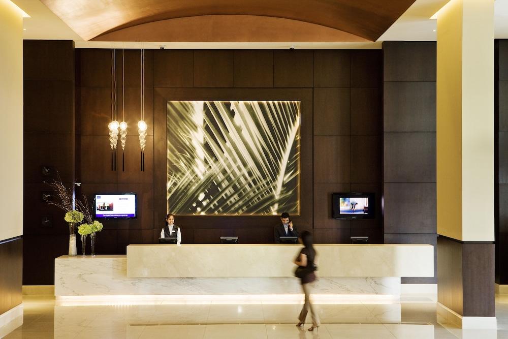 Novotel dubai deira city centre reviews photos rates for Boutique one dubai