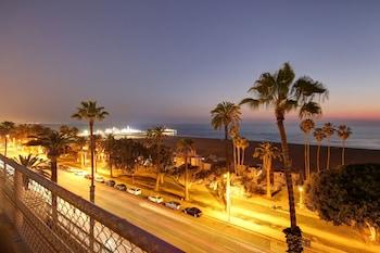 1301 Ocean Avenue, Santa Monica, California, 90401, United States.
