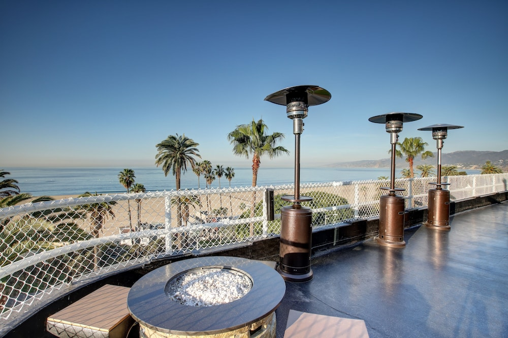 View from Property, Hotel Shangri La Santa Monica
