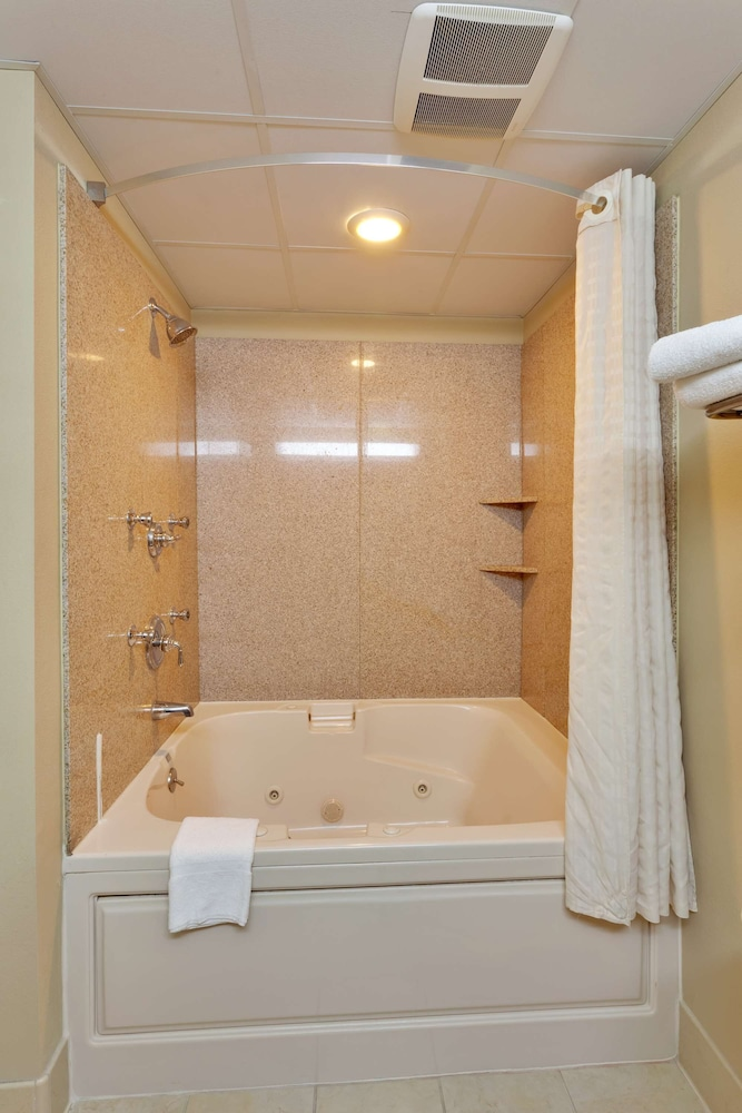 Bathroom, Country Inn & Suites by Radisson, Absecon (Atlantic City) Galloway, NJ