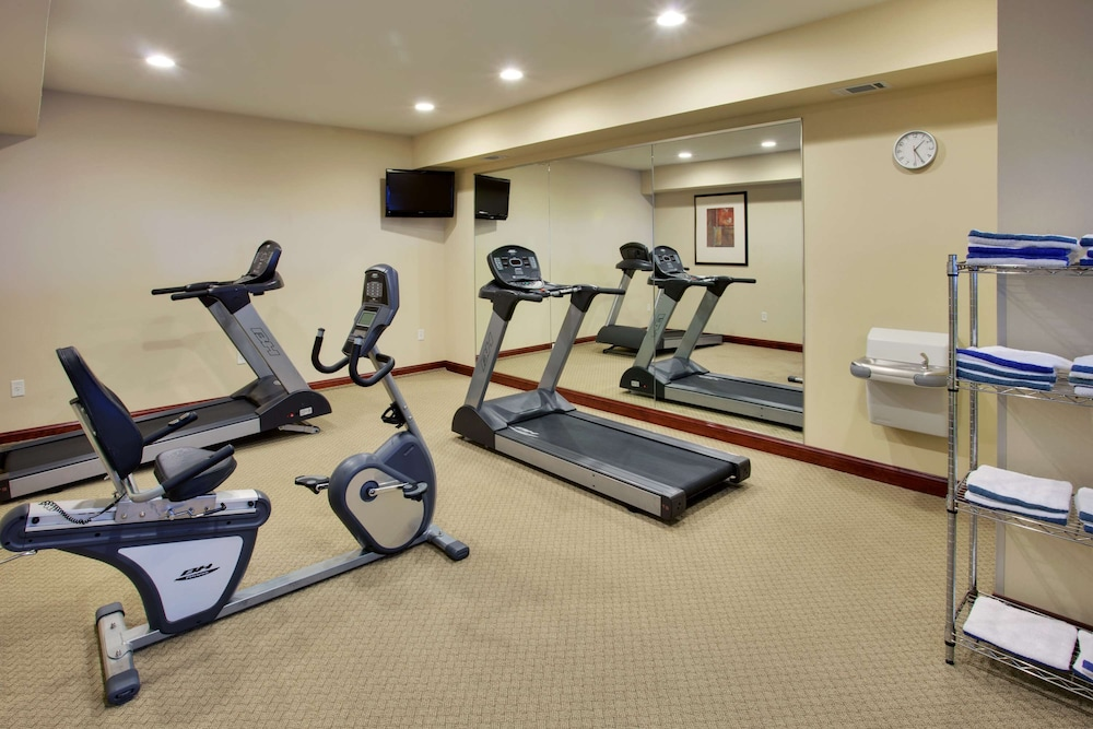 Fitness Facility, Country Inn & Suites by Radisson, Absecon (Atlantic City) Galloway, NJ