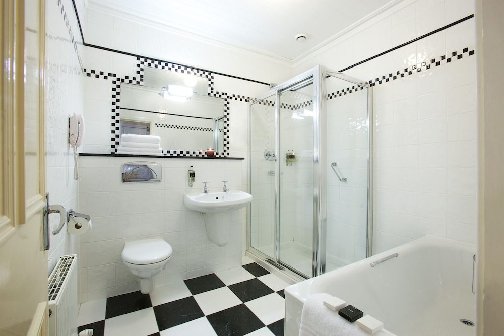 Bathroom, Arbutus Hotel Killarney