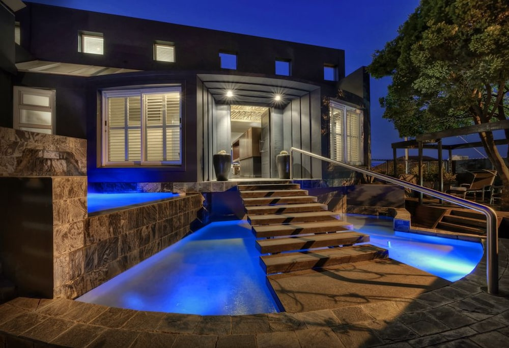Book o on kloof boutique hotel spa cape town hotel deals for Boutique hotel deals