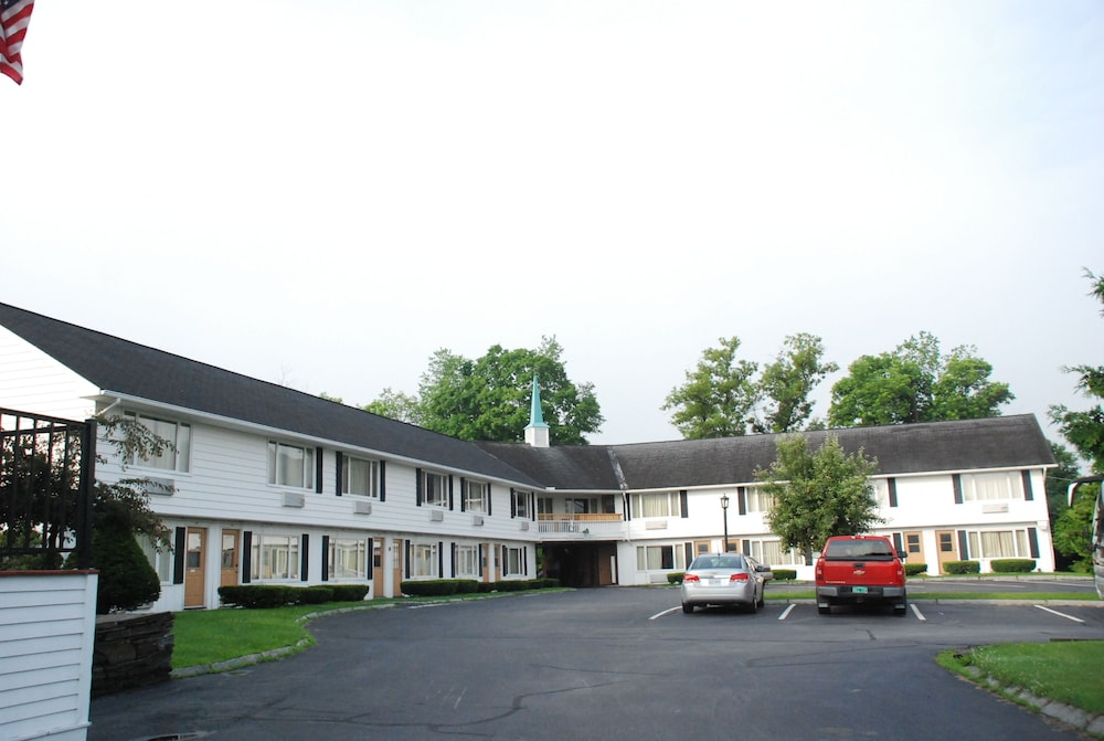 Exterior, Hollow Inn and Motel