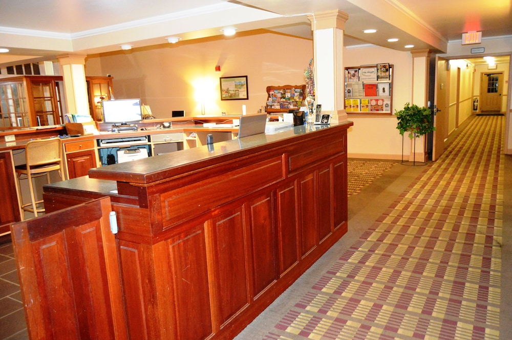 Reception, Hollow Inn and Motel