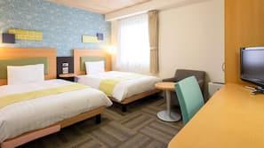 書桌、窗簾、嬰兒床 (收費)、免費 Wi-Fi