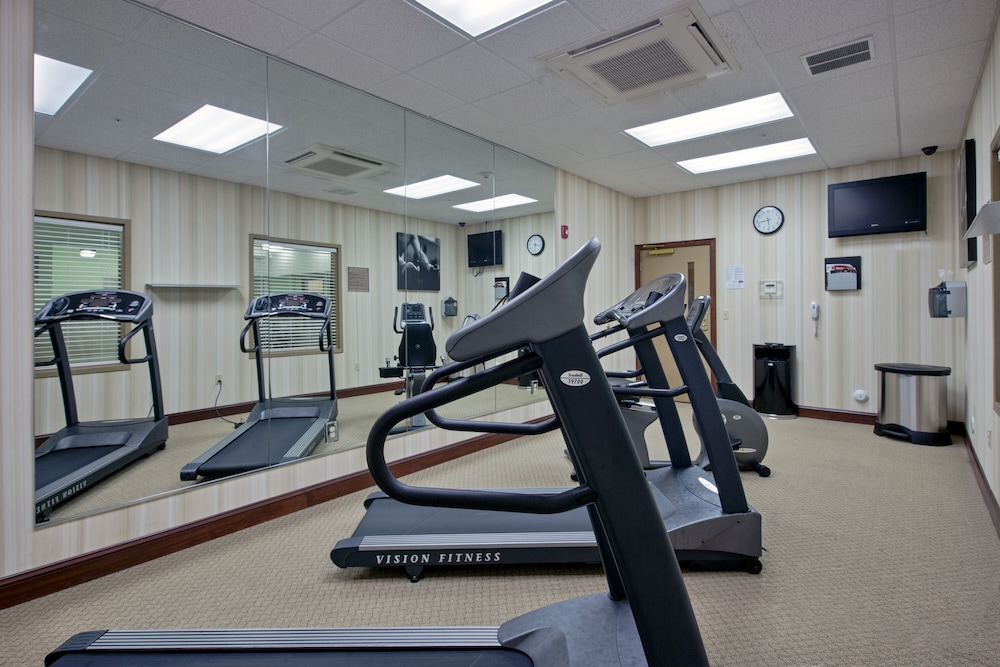 Fitness Facility, Country Inn & Suites by Radisson, Wilmington, NC