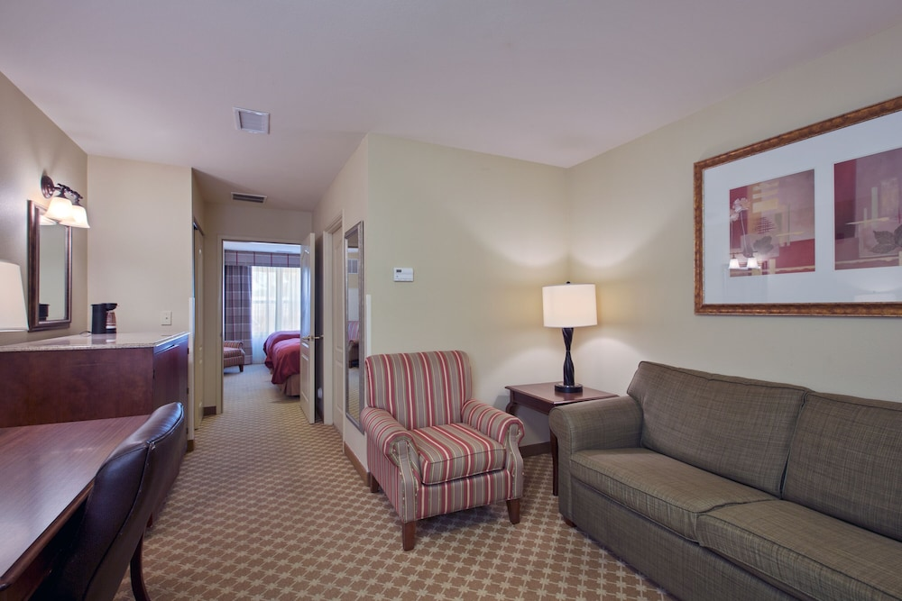 Living Room, Country Inn & Suites by Radisson, Wilmington, NC
